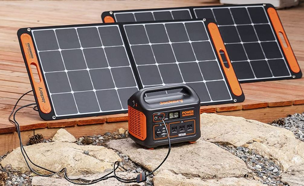 Portable Power Station Power by Solar Panels