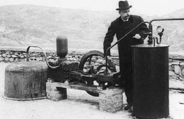 First geothermal power plant in Italy, 1904